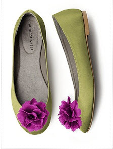 Green ballet flats with fuchsia shoe clips