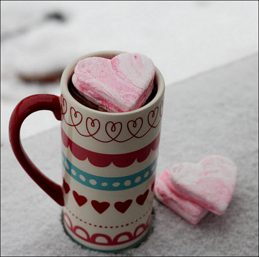 DIY Wedding Reception Treats: Peppermint Marshmallows
