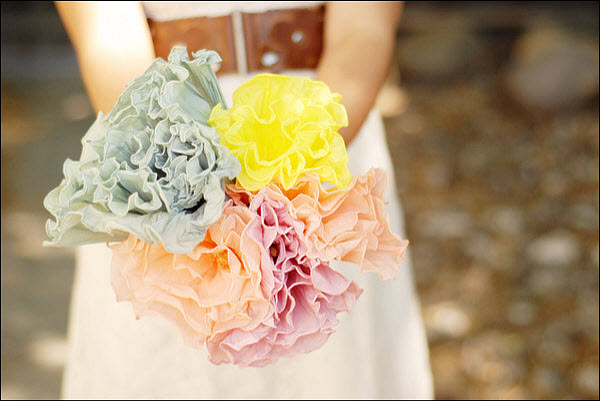 DIY Wedding Bouquet: Crepe Paper Flowers
