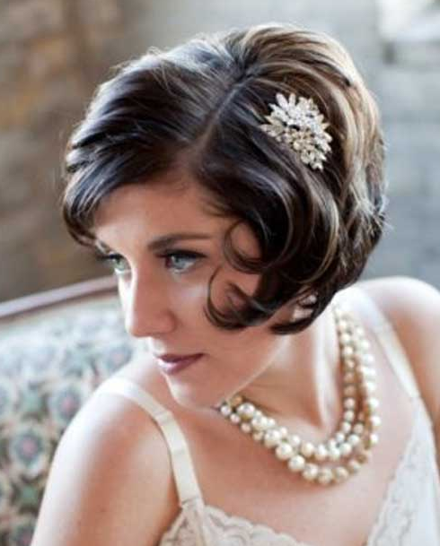 bride with short bob