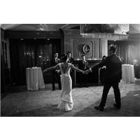 Want to Take Dance Lessons for Your Wedding? What You Need to Know