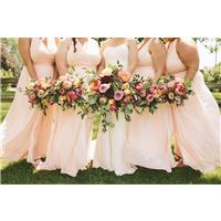 6 Tips to Remember When Shopping for Plus-Size Bridesmaid Dresses