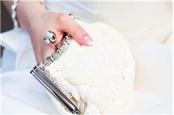 6 Elegant Wedding Clutches That'll Enhance Your Look
